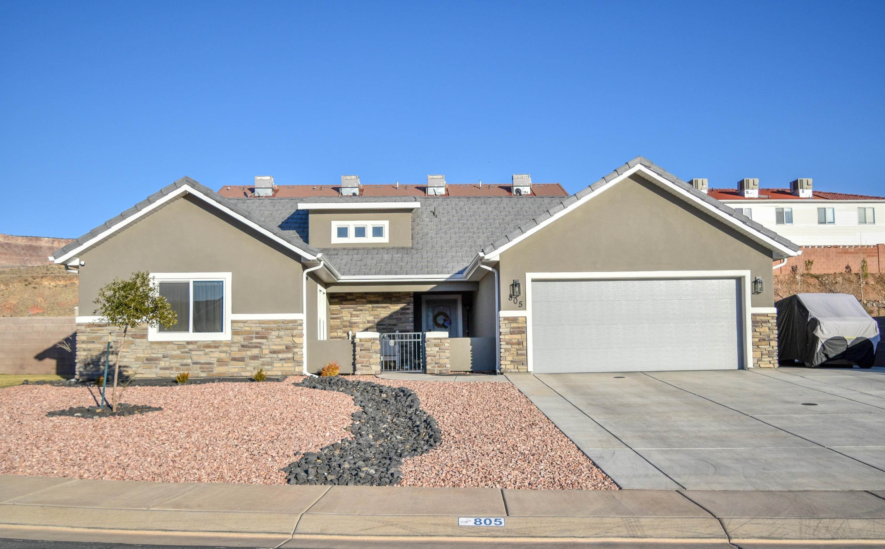 Single Family Homes per Vendita alle ore 805 370 La Verkin, Utah 84745 Stati Uniti