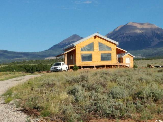 Single Family Homes por un Venta en 65 OAK Lane La Sal, Utah 84530 Estados Unidos