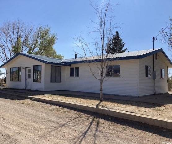 Single Family Homes por un Venta en 149 LA SAL ROAD ARENA Lane La Sal, Utah 84530 Estados Unidos