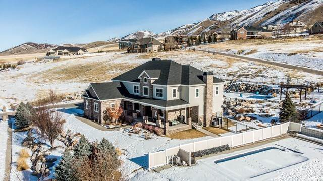 Single Family Homes per Vendita alle ore 2930 MAHOGANY VALLEY Road North Logan, Utah 84341 Stati Uniti