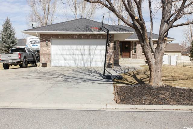 Single Family Homes pour l Vente à 183 250 N Aurora, Utah 84620 États-Unis