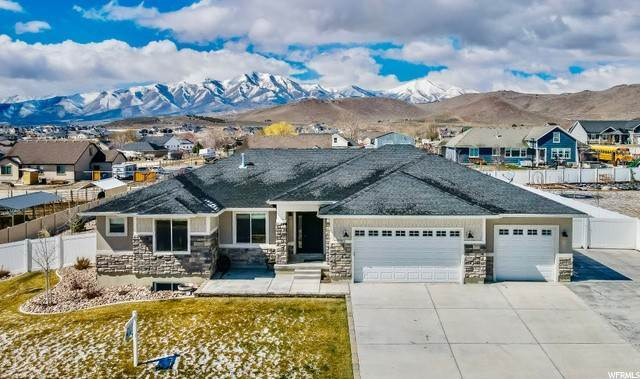Single Family Homes pour l Vente à 9753 GRENADA Lane Eagle Mountain, Utah 84005 États-Unis