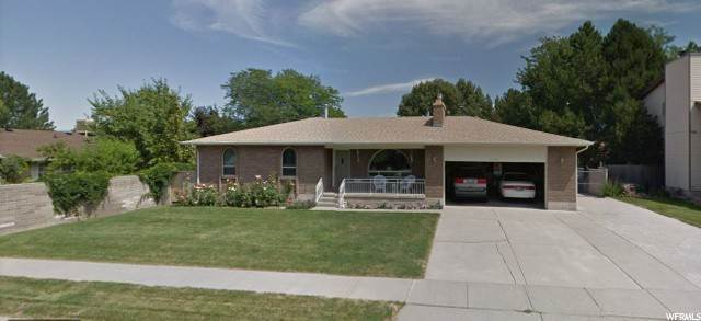 Single Family Homes pour l Vente à 5539 DANUBE Circle Taylorsville, Utah 84129 États-Unis
