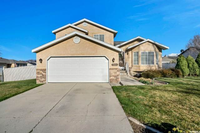 Single Family Homes voor Verkoop op 5329 ROYAL AUTUMN Circle Taylorsville, Utah 84129 Verenigde Staten