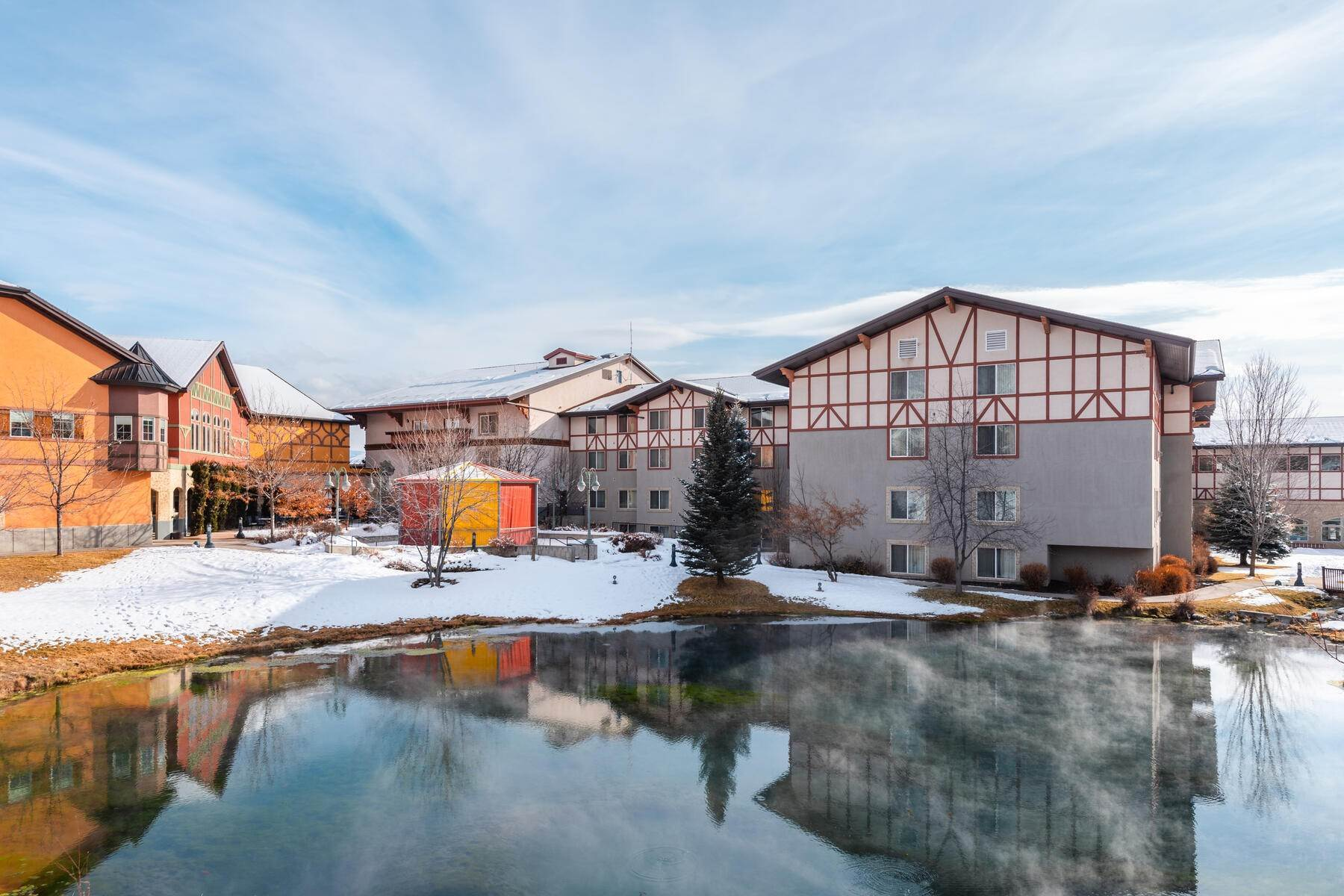 12. Condominiums for Sale at Lovely Studio Overlooking the Courtyard! 784 W Resort Drive, #234 Midway, Utah 84049 United States