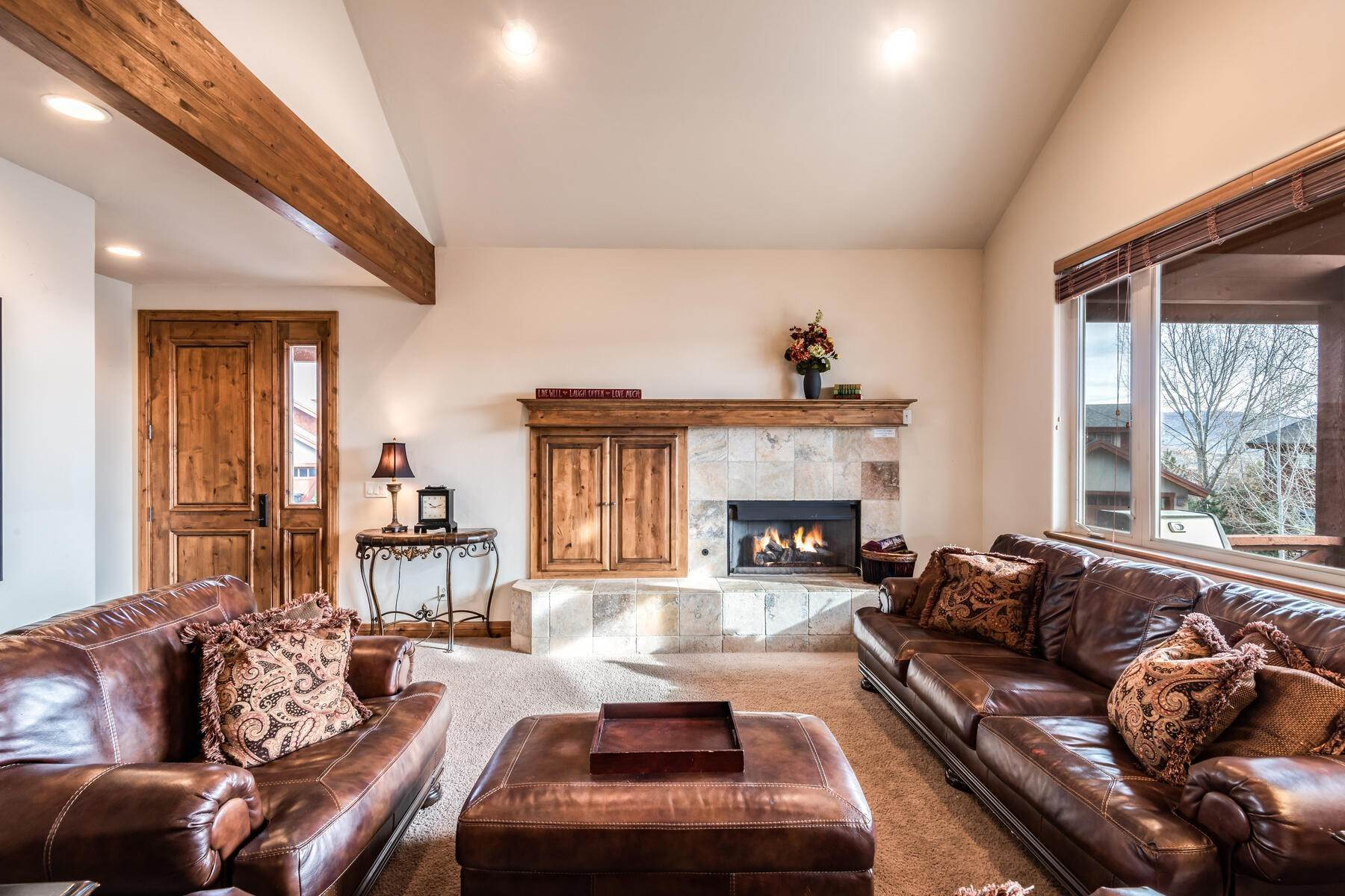 5. Single Family Homes for Sale at Coveted Turnberry Home in Midway 1075 N Turnberry Court Midway, Utah 84049 United States