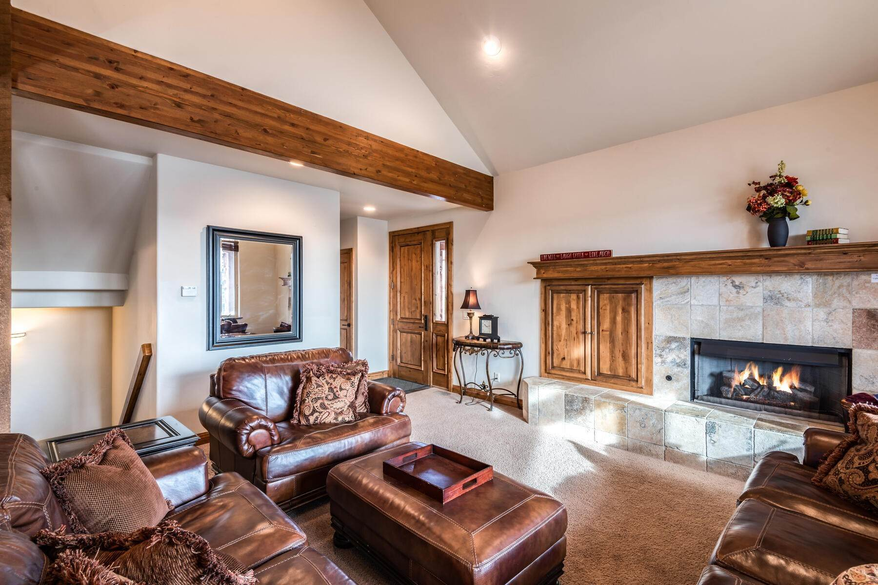 6. Single Family Homes for Sale at Coveted Turnberry Home in Midway 1075 N Turnberry Court Midway, Utah 84049 United States