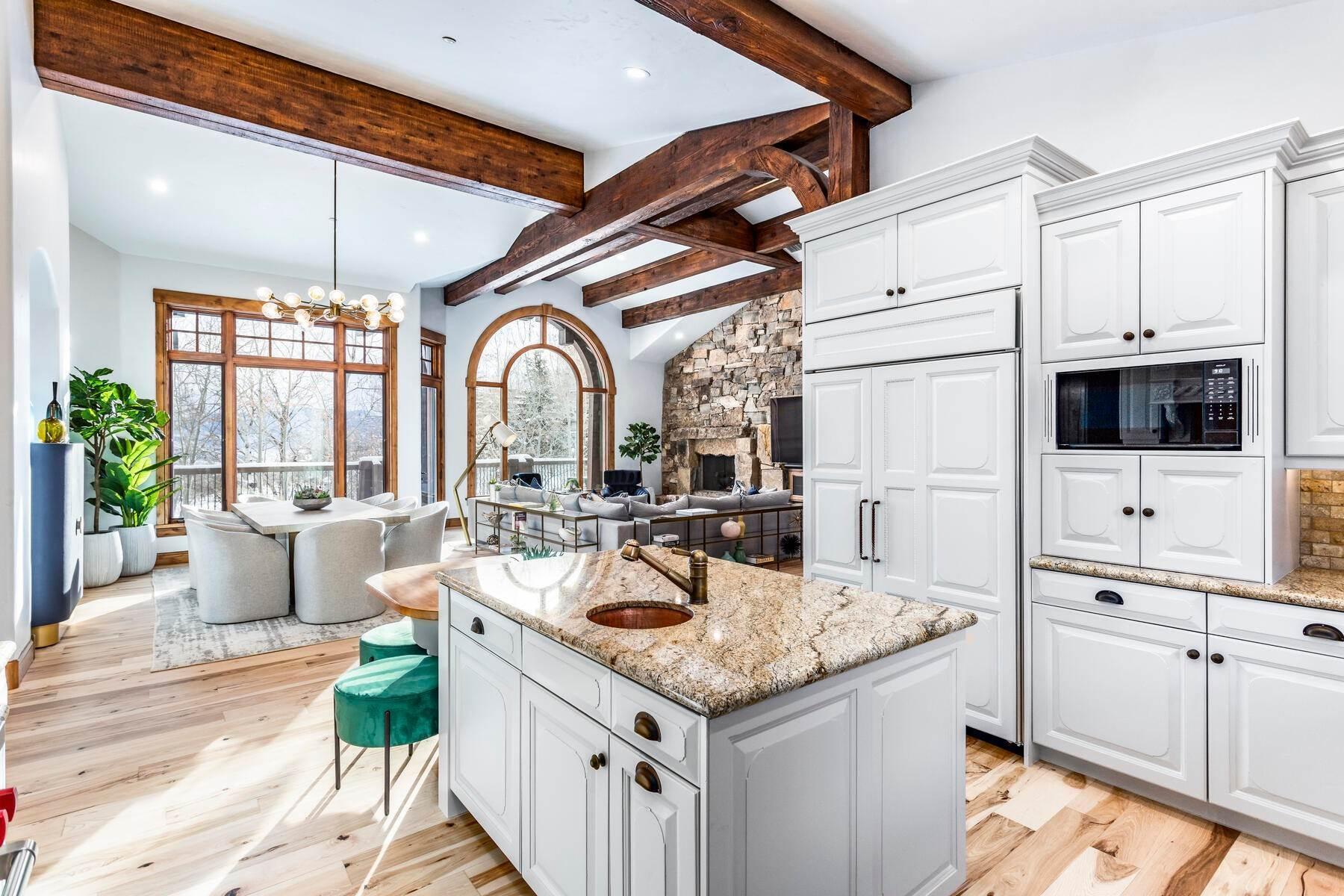 15. Single Family Homes for Sale at Sophisticated Masterpiece in Promontory 8340 N Promontory Ranch Rd Park City, Utah 84098 United States