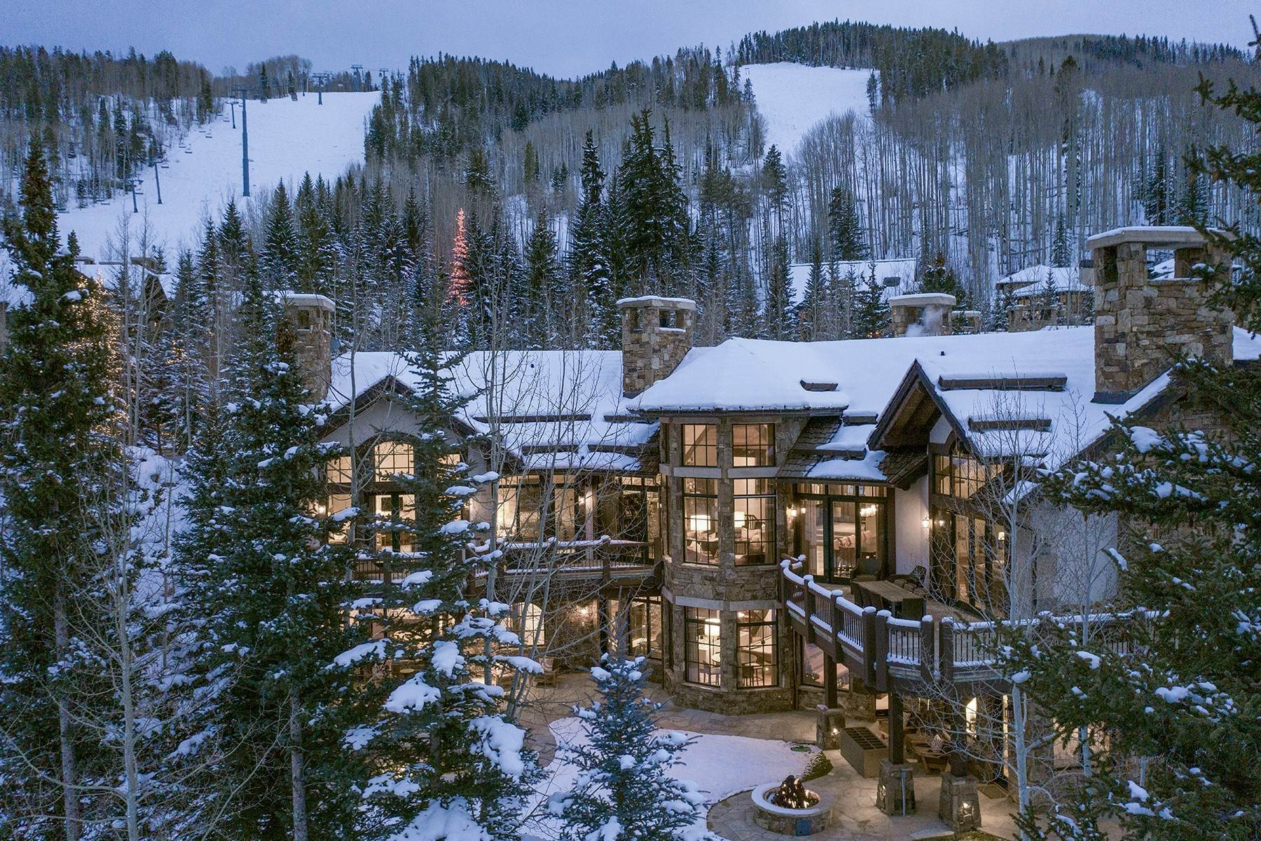 Single Family Homes 为 销售 在 Coveted Ski-In/Ski-Out in Vail 615 Forest Place 韦尔, 科罗拉多州 81657 美国