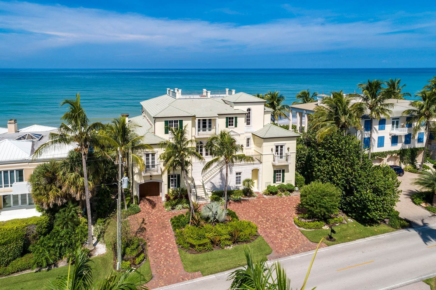 Single Family Homes for Sale at PORT ROYAL 3850 Gordon Drive Naples, Florida 34102 United States