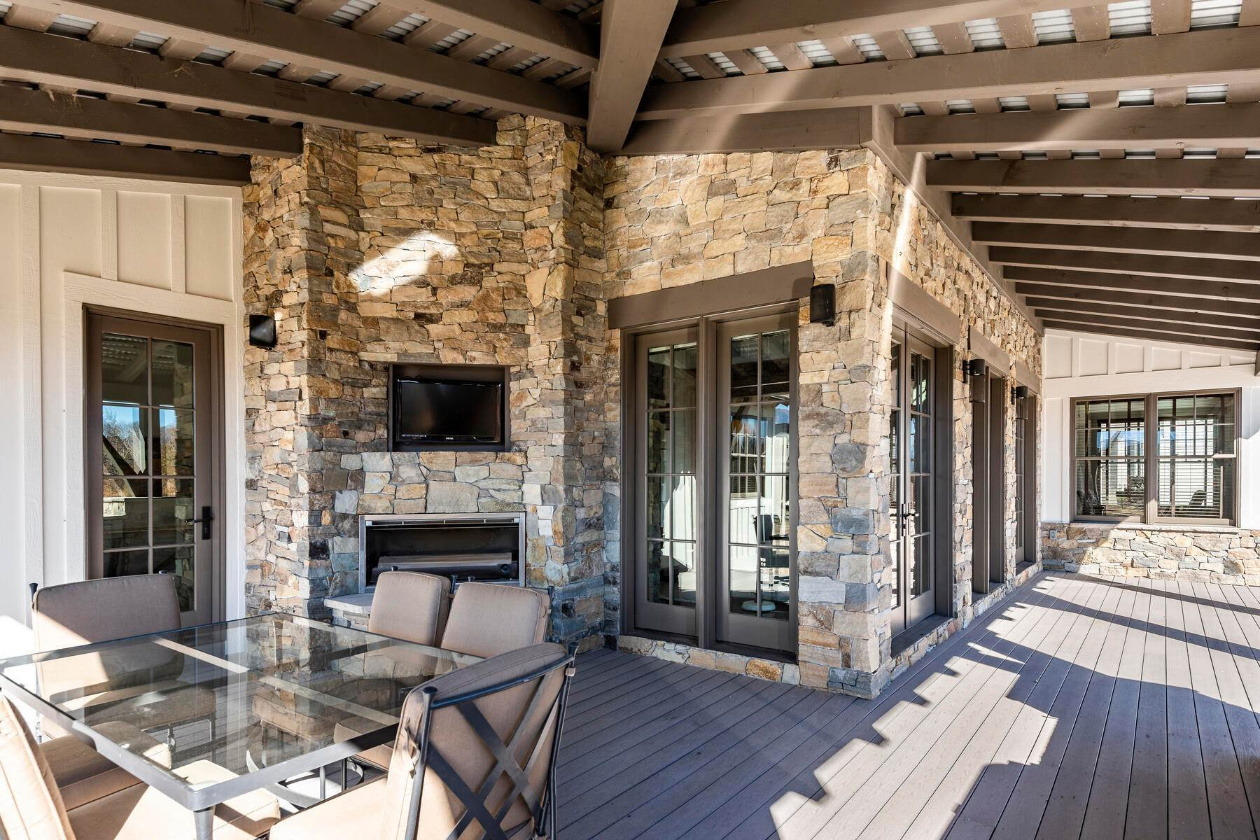 48. Single Family Homes for Sale at Picture-Perfect Contemporary Rustic Elegance on the Provo River 2370 N River Meadows Parkway Midway, Utah 84049 United States