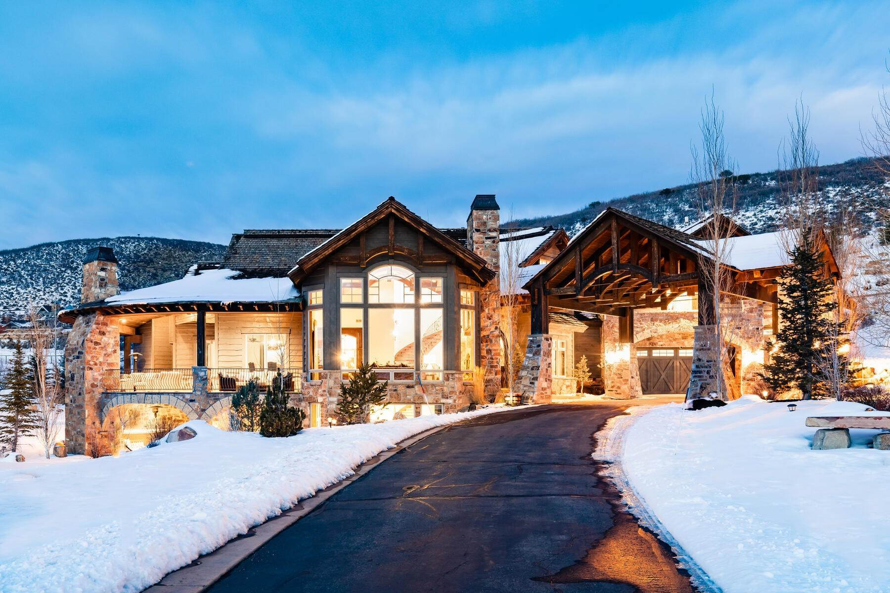 Single Family Homes for Sale at Rare Ranch Creek Estates Home Boasts over 3 Acres with Unparalleled Views 4400 N Ranch Creek Ln Park City, Utah 84098 United States
