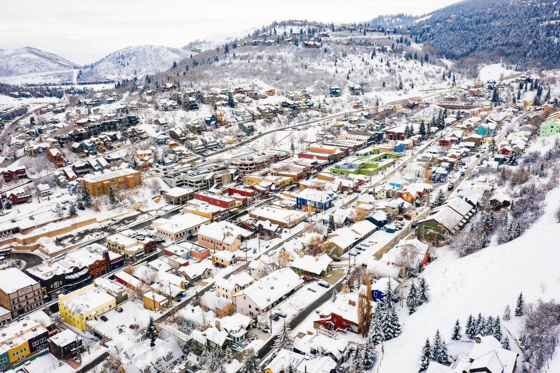 32. Condominiums for Sale at Interline Unit 2. Ultra Rare - Old Town, Park City Condo Just Steps to Skiing! 524 Woodside Ave #2 Park City, Utah 84060 United States