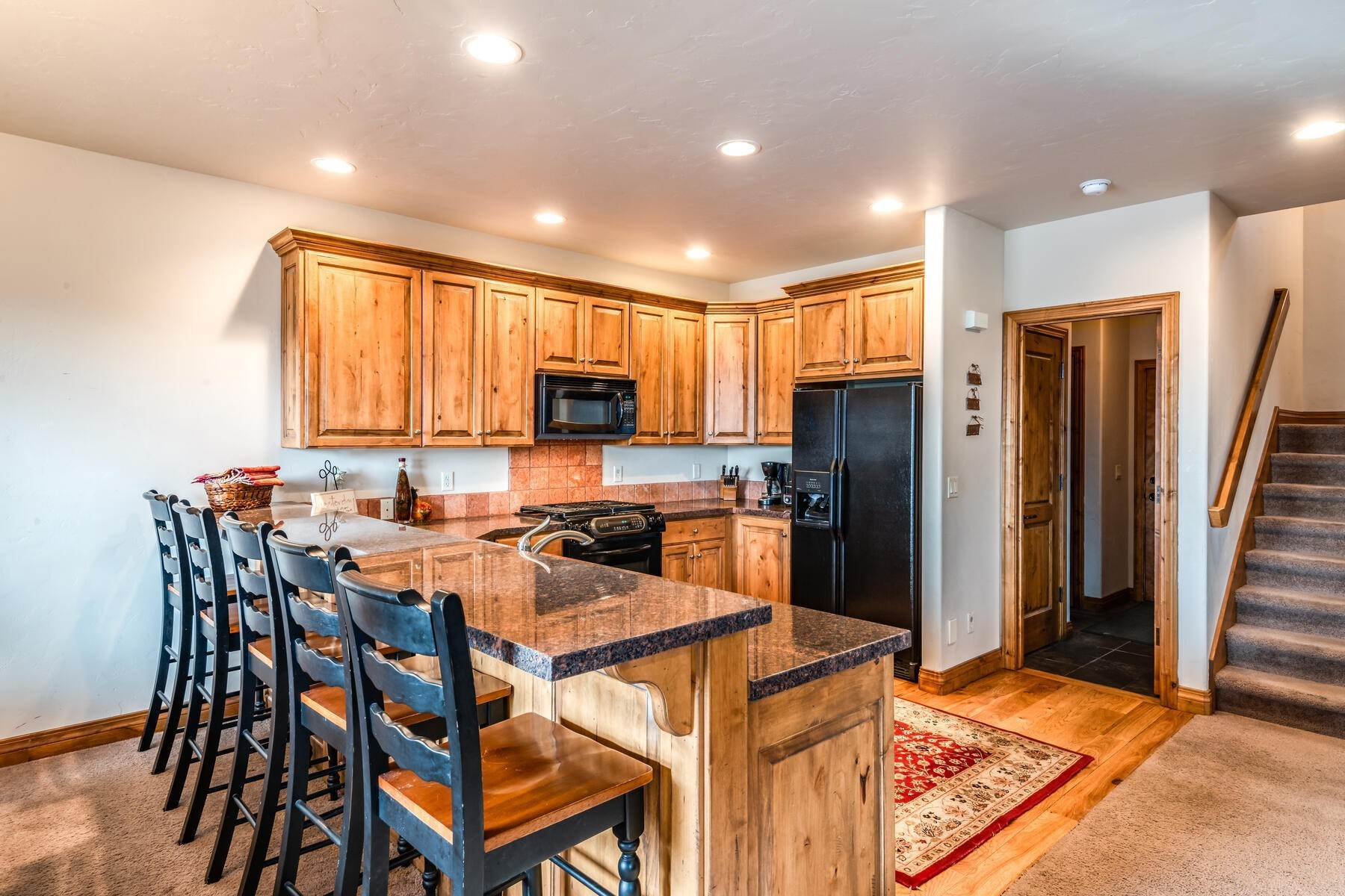 9. Single Family Homes for Sale at Coveted Turnberry Home in Midway 1075 N Turnberry Court Midway, Utah 84049 United States