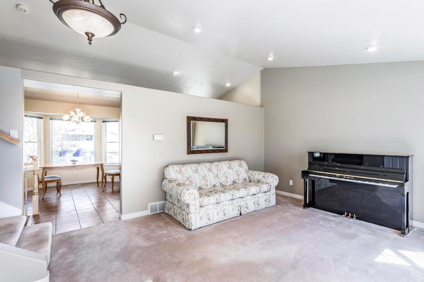3. Single Family Homes for Sale at A Great Riverton House 3278 West 11925 South Riverton, Utah 84065 United States