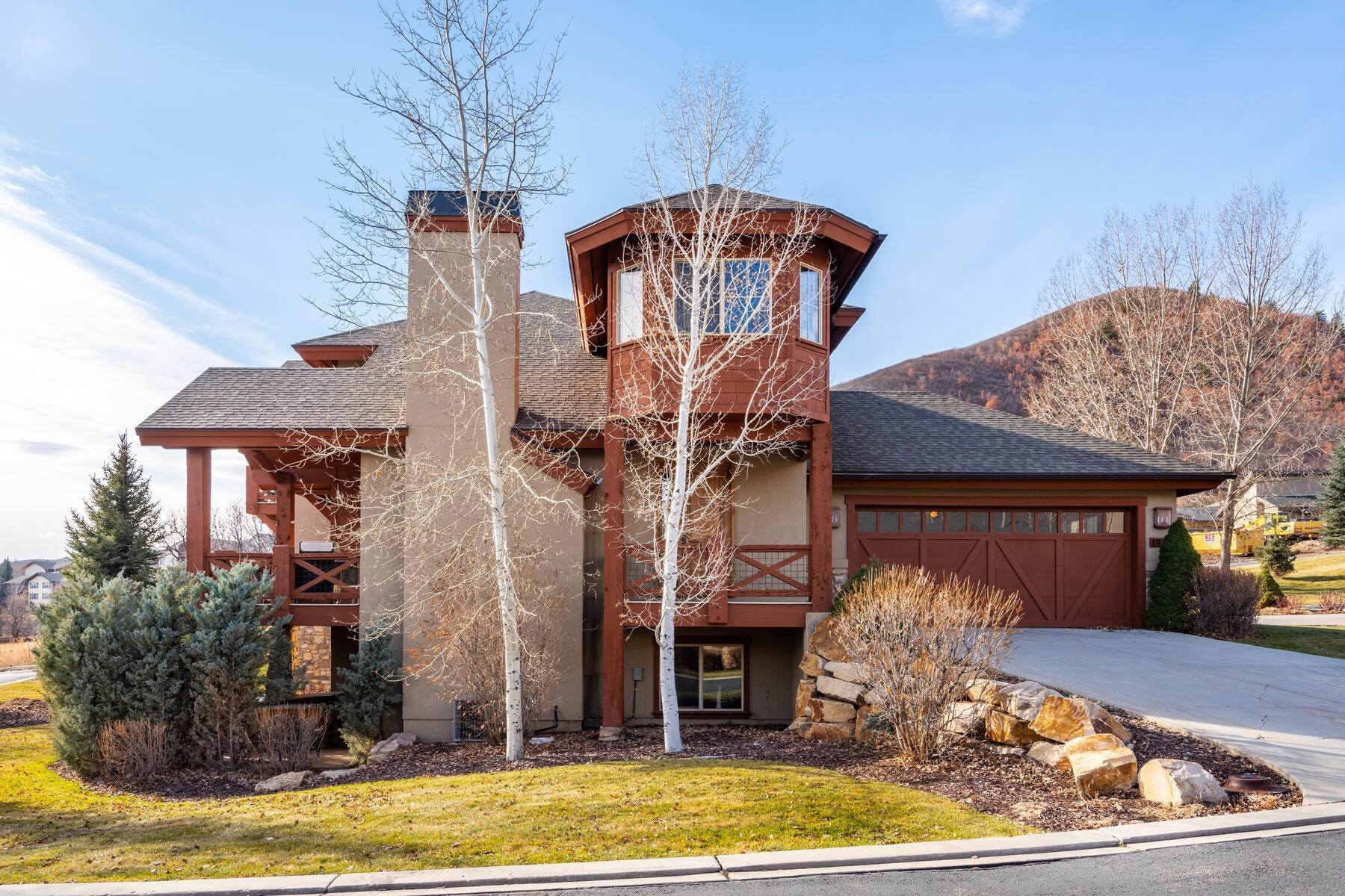 Single Family Homes for Sale at Coveted Turnberry Home in Midway 1075 N Turnberry Court Midway, Utah 84049 United States
