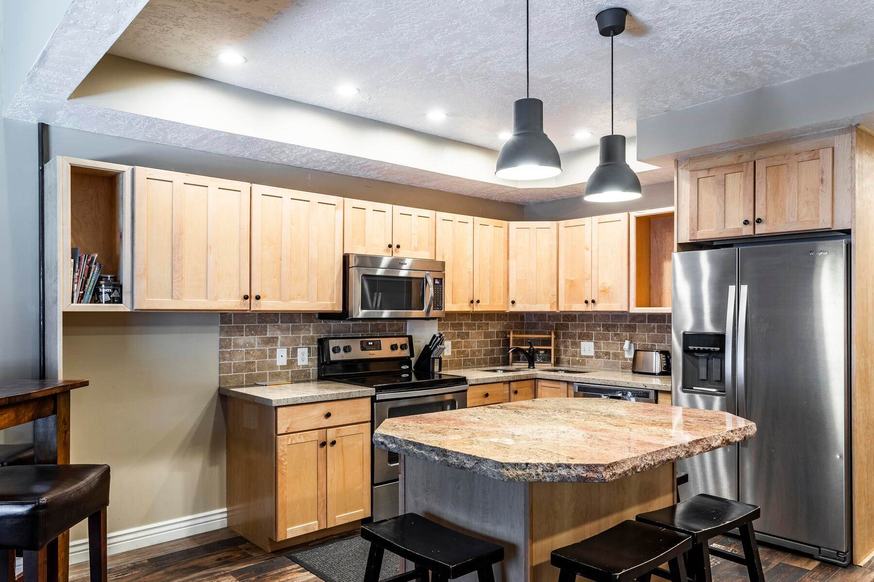 7. Condominiums for Sale at Interline Unit 2. Ultra Rare - Old Town, Park City Condo Just Steps to Skiing! 524 Woodside Ave #2 Park City, Utah 84060 United States