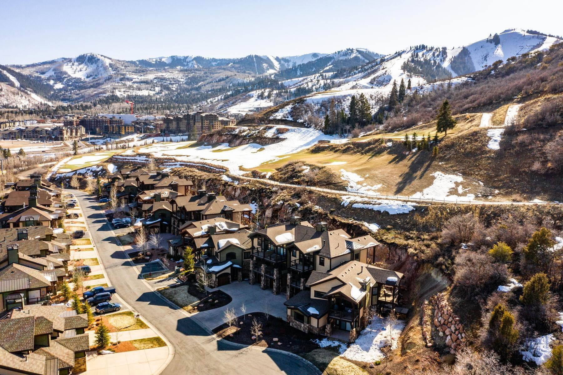 31. townhouses for Sale at Walk to Skiing from this Turn-Key Canyons Village Townhome 4221 Fairway Lane, D-4 Park City, Utah 84098 United States