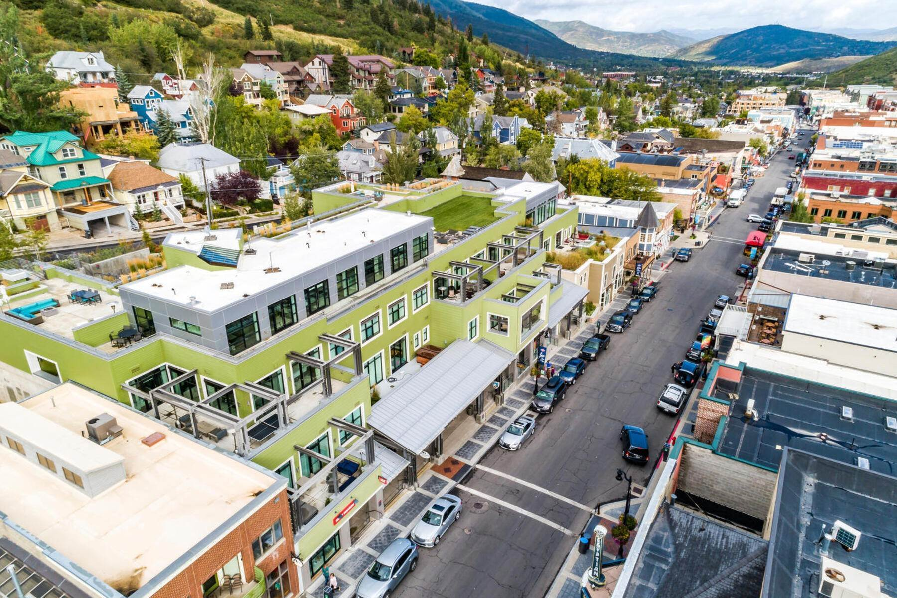 36. Condominiums for Sale at Interline Unit 2. Ultra Rare - Old Town, Park City Condo Just Steps to Skiing! 524 Woodside Ave #2 Park City, Utah 84060 United States