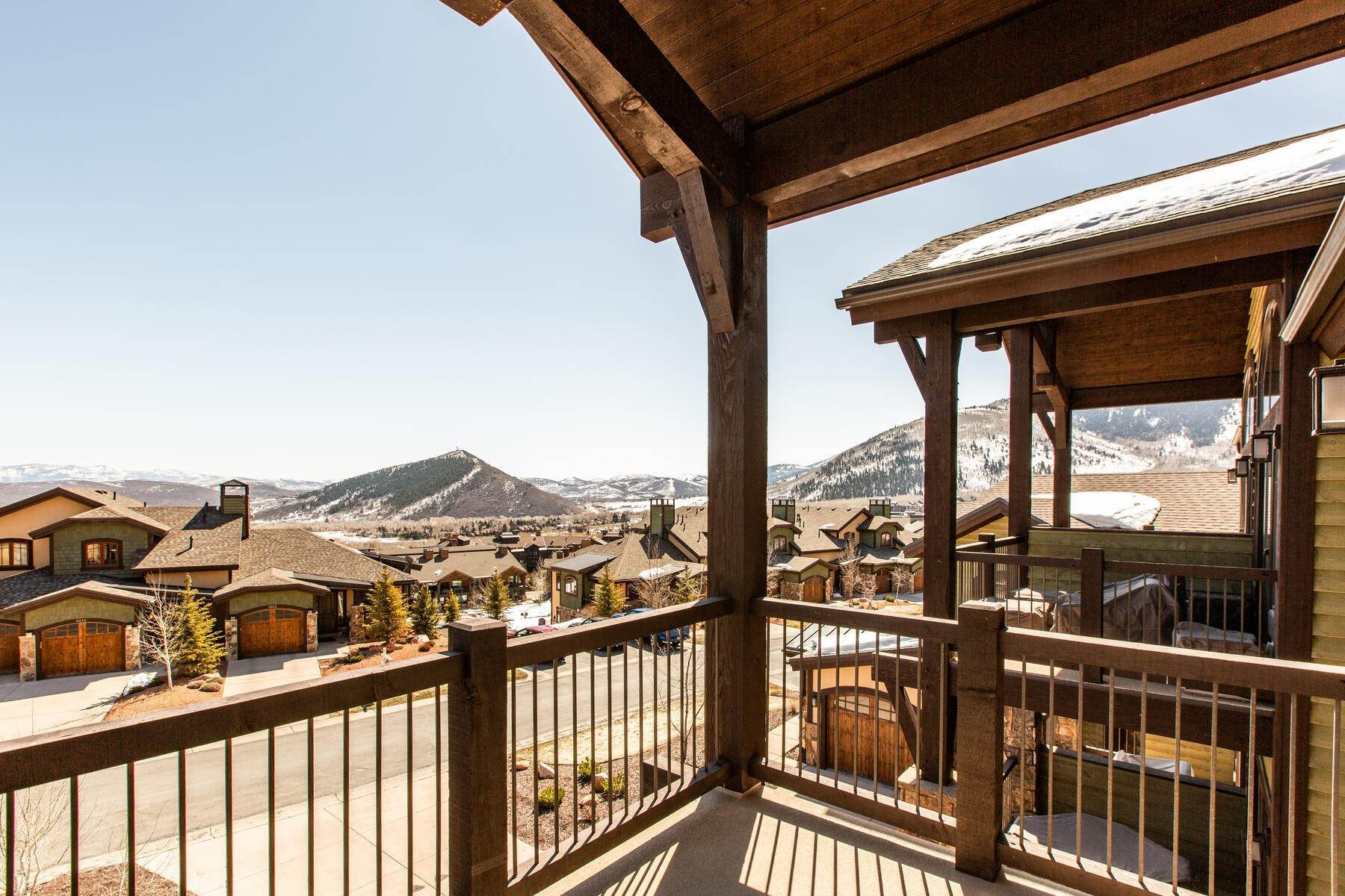 26. townhouses for Sale at Walk to Skiing from this Turn-Key Canyons Village Townhome 4221 Fairway Lane, D-4 Park City, Utah 84098 United States