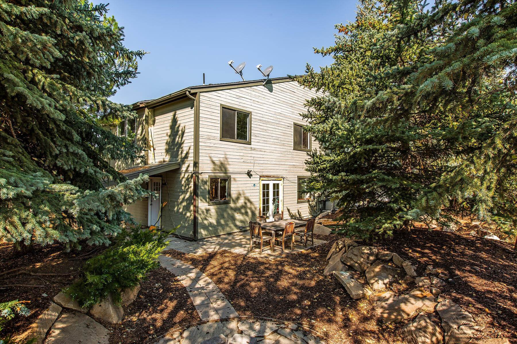 32. Multi-Family Homes for Sale at Turnkey Investment Property in the Heart of Park City 2168 Monarch Dr Park City, Utah 84060 United States