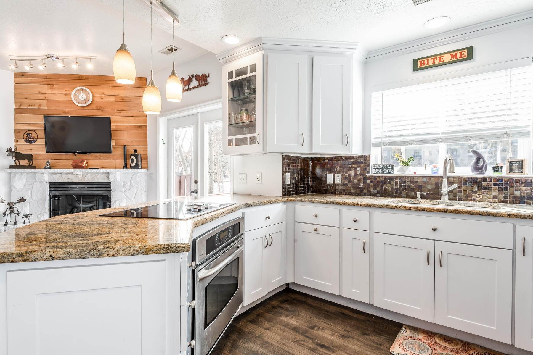 10. Single Family Homes for Sale at Great Four-Bedroom Home In Park City School District 7955 Mustang Loop Rd Park City, Utah 84098 United States