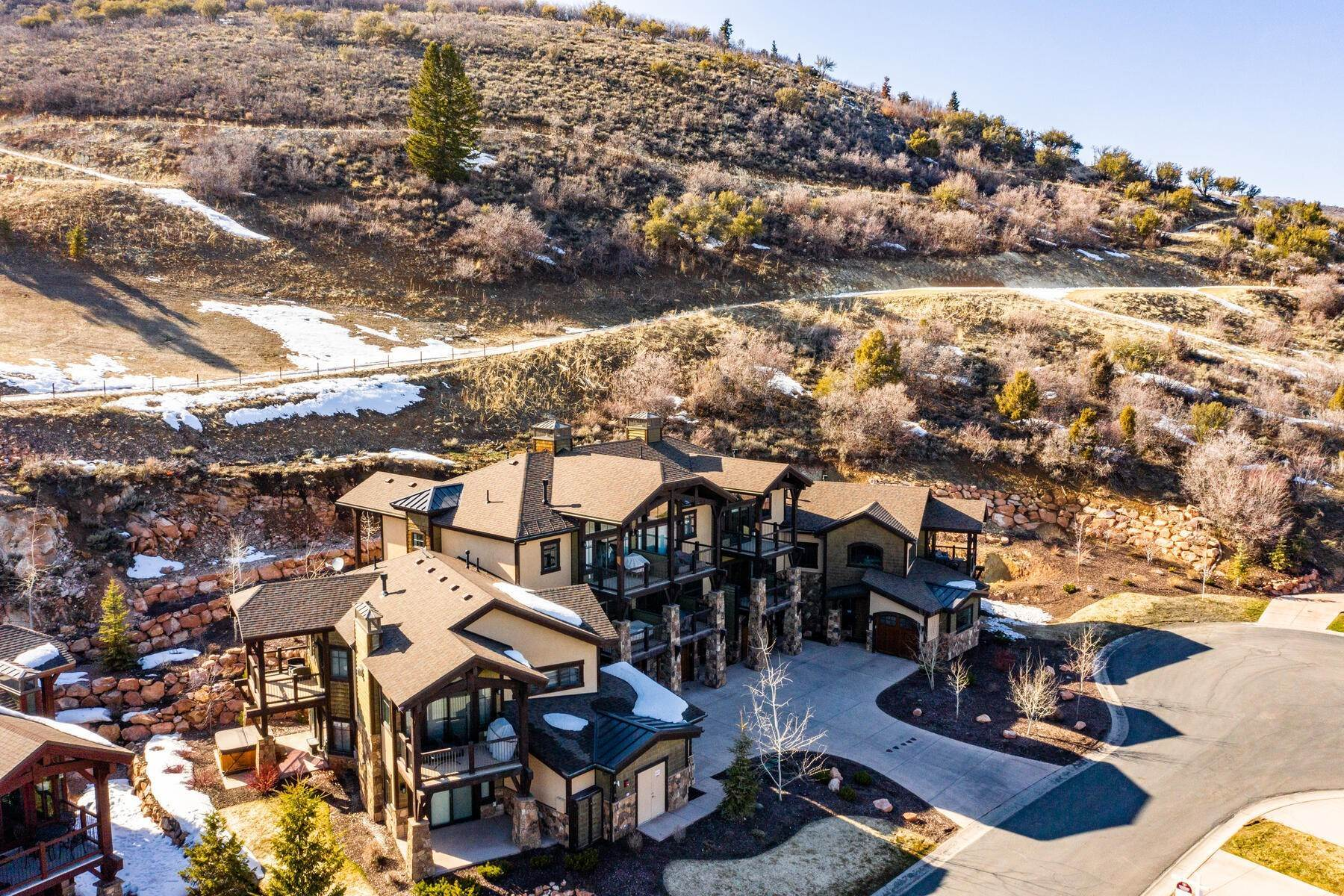 29. townhouses for Sale at Walk to Skiing from this Turn-Key Canyons Village Townhome 4221 Fairway Lane, D-4 Park City, Utah 84098 United States