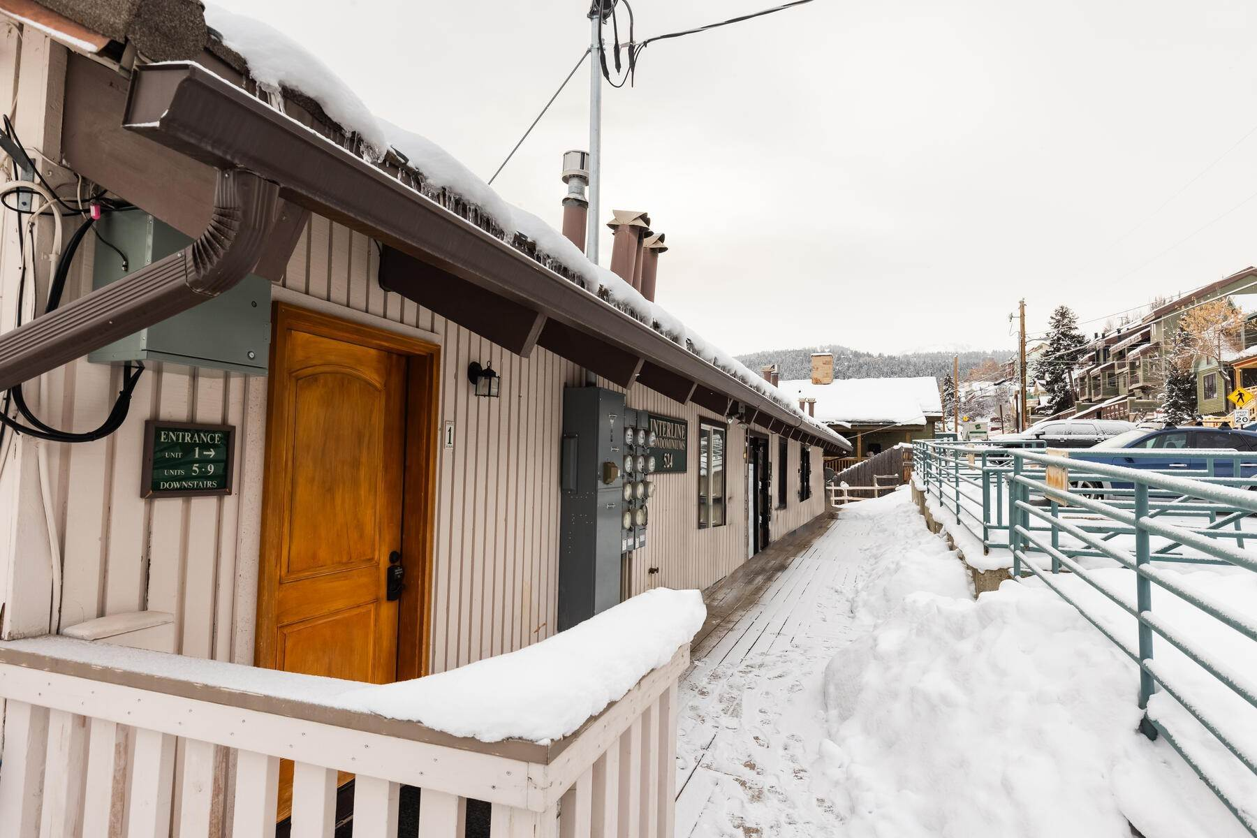25. Condominiums for Sale at Interline Unit 2. Ultra Rare - Old Town, Park City Condo Just Steps to Skiing! 524 Woodside Ave #2 Park City, Utah 84060 United States