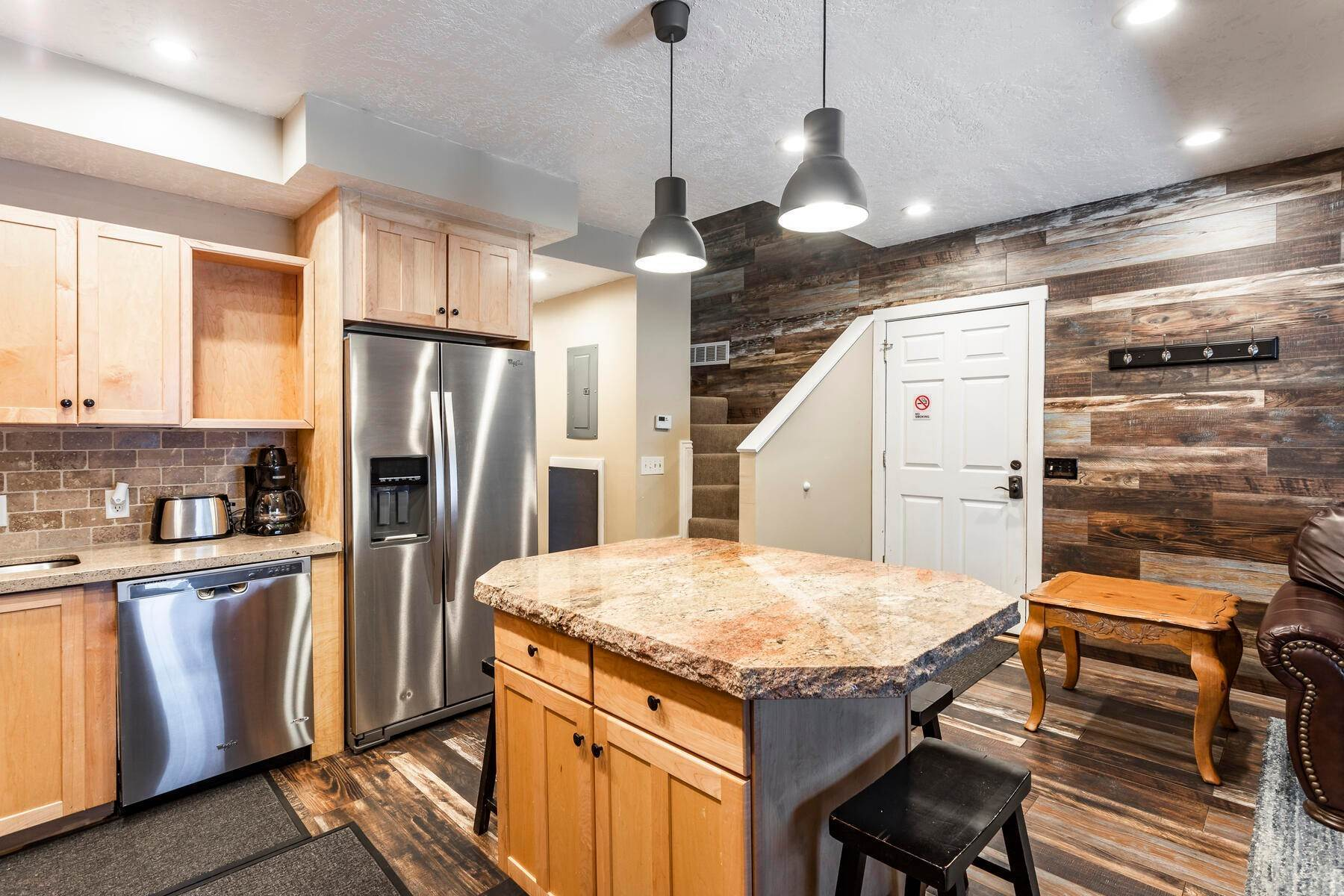 8. Condominiums for Sale at Interline Unit 2. Ultra Rare - Old Town, Park City Condo Just Steps to Skiing! 524 Woodside Ave #2 Park City, Utah 84060 United States