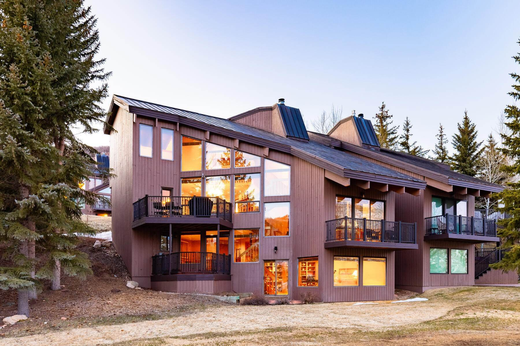 Condominiums for Sale at Front Row Downhill Pinnacle 1510 Amber Road Park City, Utah 84060 United States