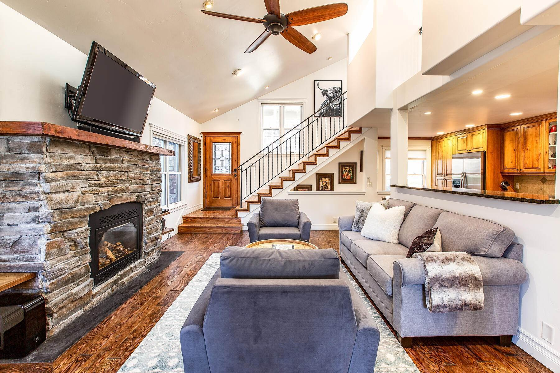 2. Single Family Homes for Sale at An Updated Turn Key Home Steps to Skiing and Main Street 915 Norfolk Ave Park City, Utah 84060 United States