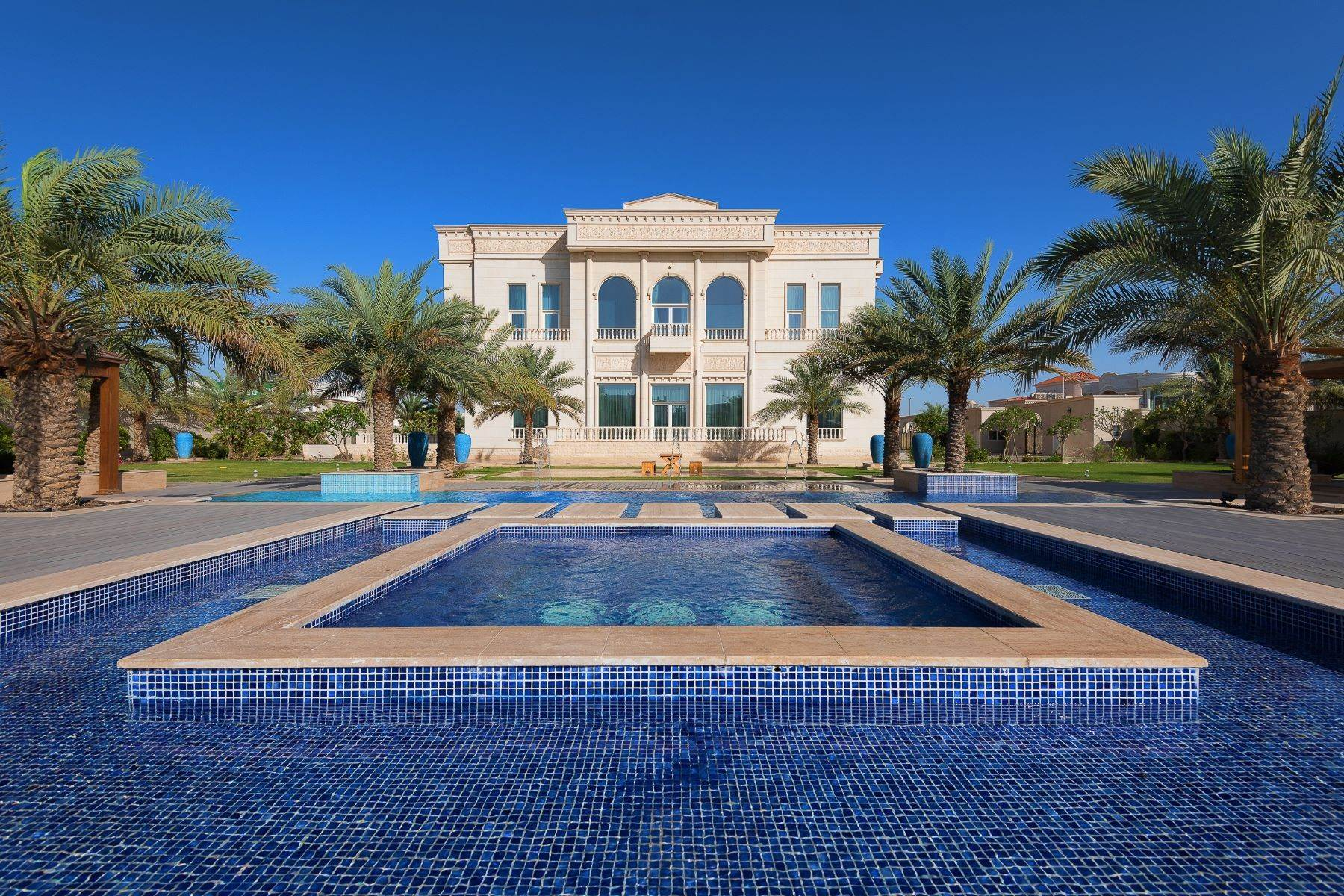 Single Family Homes for Sale at Ultra luxurious Jumeirah Palace villa Dubai, Dubai United Arab Emirates