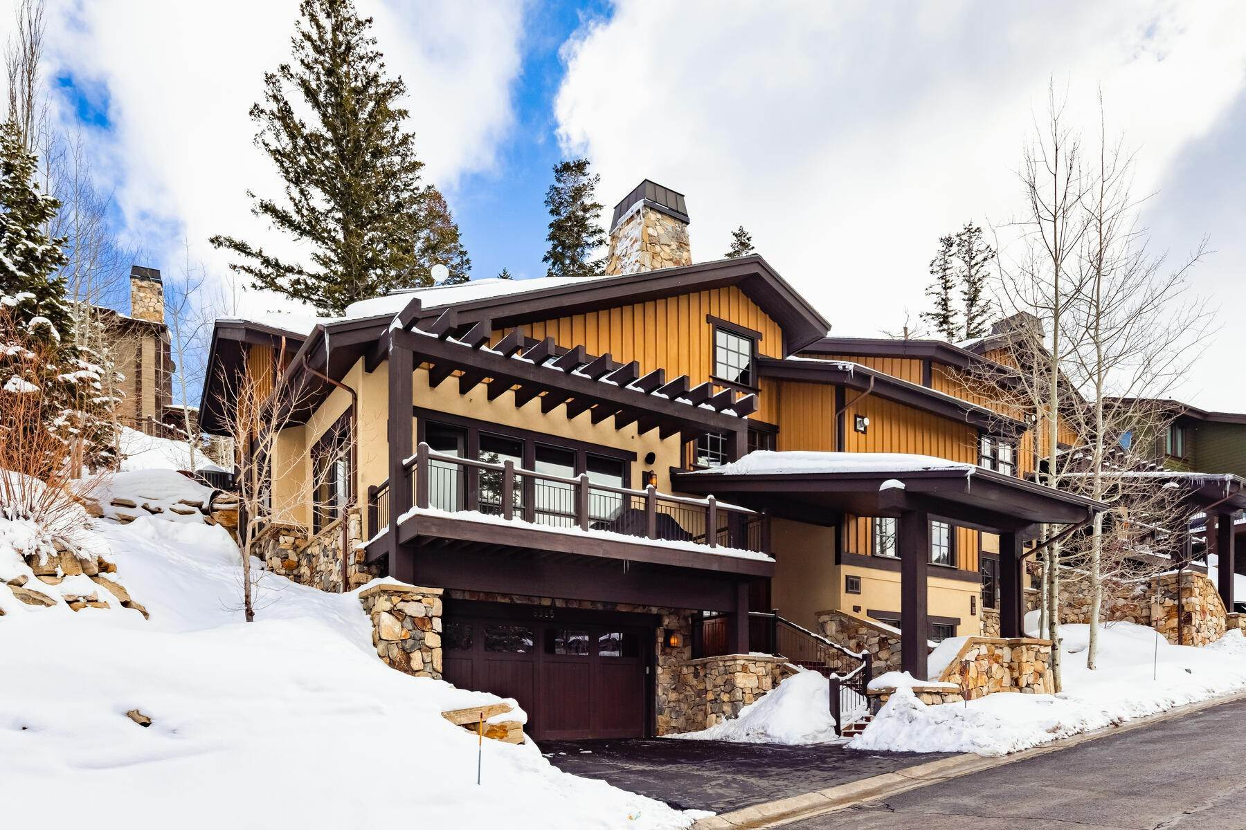 townhouses for Sale at Ideally Located and Luxuriously Appointed Lookout at Deer Valley 6565 Lookout Dr #22 Park City, Utah 84060 United States
