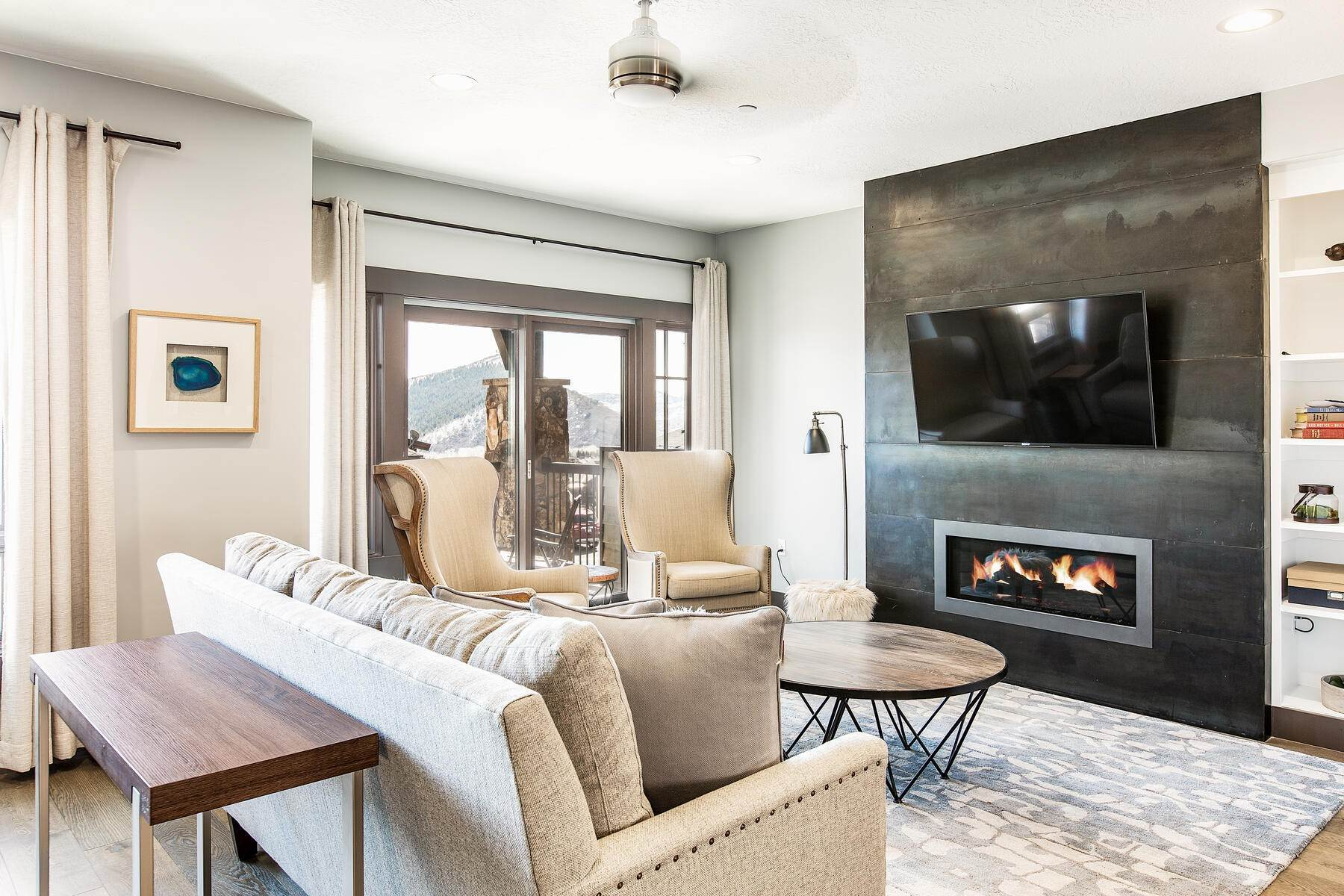 4. townhouses for Sale at Walk to Skiing from this Turn-Key Canyons Village Townhome 4221 Fairway Lane, D-4 Park City, Utah 84098 United States