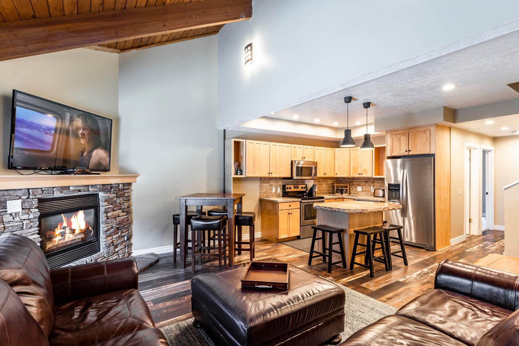 4. Condominiums for Sale at Interline Unit 2. Ultra Rare - Old Town, Park City Condo Just Steps to Skiing! 524 Woodside Ave #2 Park City, Utah 84060 United States