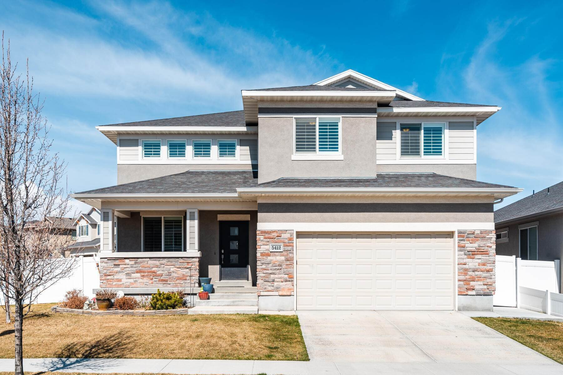 Single Family Homes for Sale at Convenience and Comfort in the Heart of Herriman 5412 W Moorfield Drive Herriman, Utah 84096 United States
