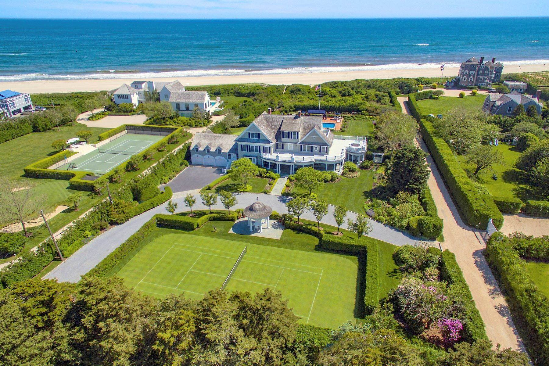Single Family Homes para Venda às 'Ocean Dream' Estate With Pool & Tennis 5 Fair Lea (Aka 36 Gin Lane) Southampton, Nova York 11968 Estados Unidos