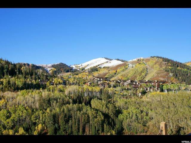 39. Condominiums for Sale at 7697 VILLAGE WAY Park City, Utah 84060 United States