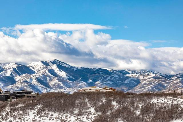 11. Twin Home for Sale at 3404 WAPITI CANYON Road Park City, Utah 84098 United States