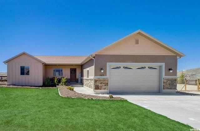 Single Family Homes for Sale at 523 RIVER BLUFFS DRIVE Drive Francis, Utah 84036 United States