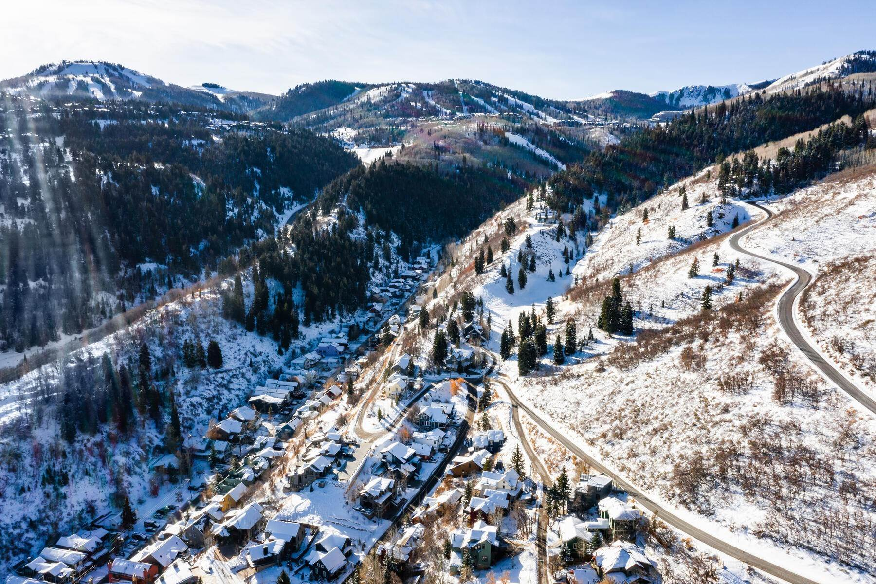 26. Single Family Homes for Sale at A Prime Redevelopment Opportunity in Old Town Park City 91 King Road Park City, Utah 84060 United States