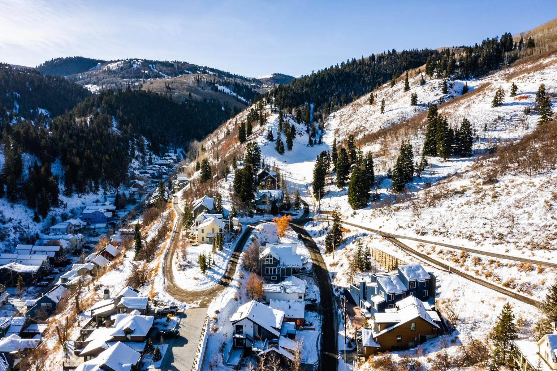 24. Single Family Homes for Sale at A Prime Redevelopment Opportunity in Old Town Park City 91 King Road Park City, Utah 84060 United States