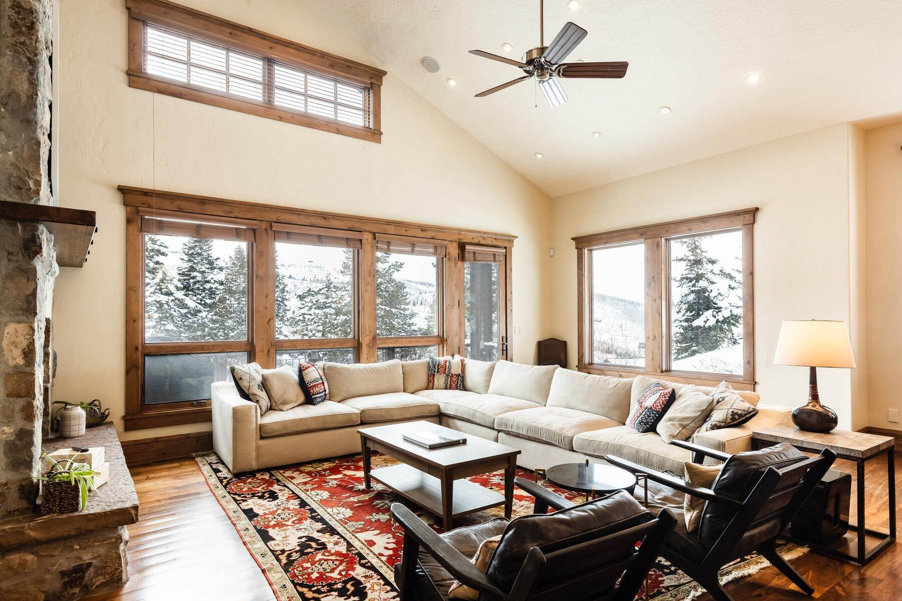 4. townhouses for Sale at Ideally Located and Luxuriously Appointed Lookout at Deer Valley 6565 Lookout Dr #22 Park City, Utah 84060 United States