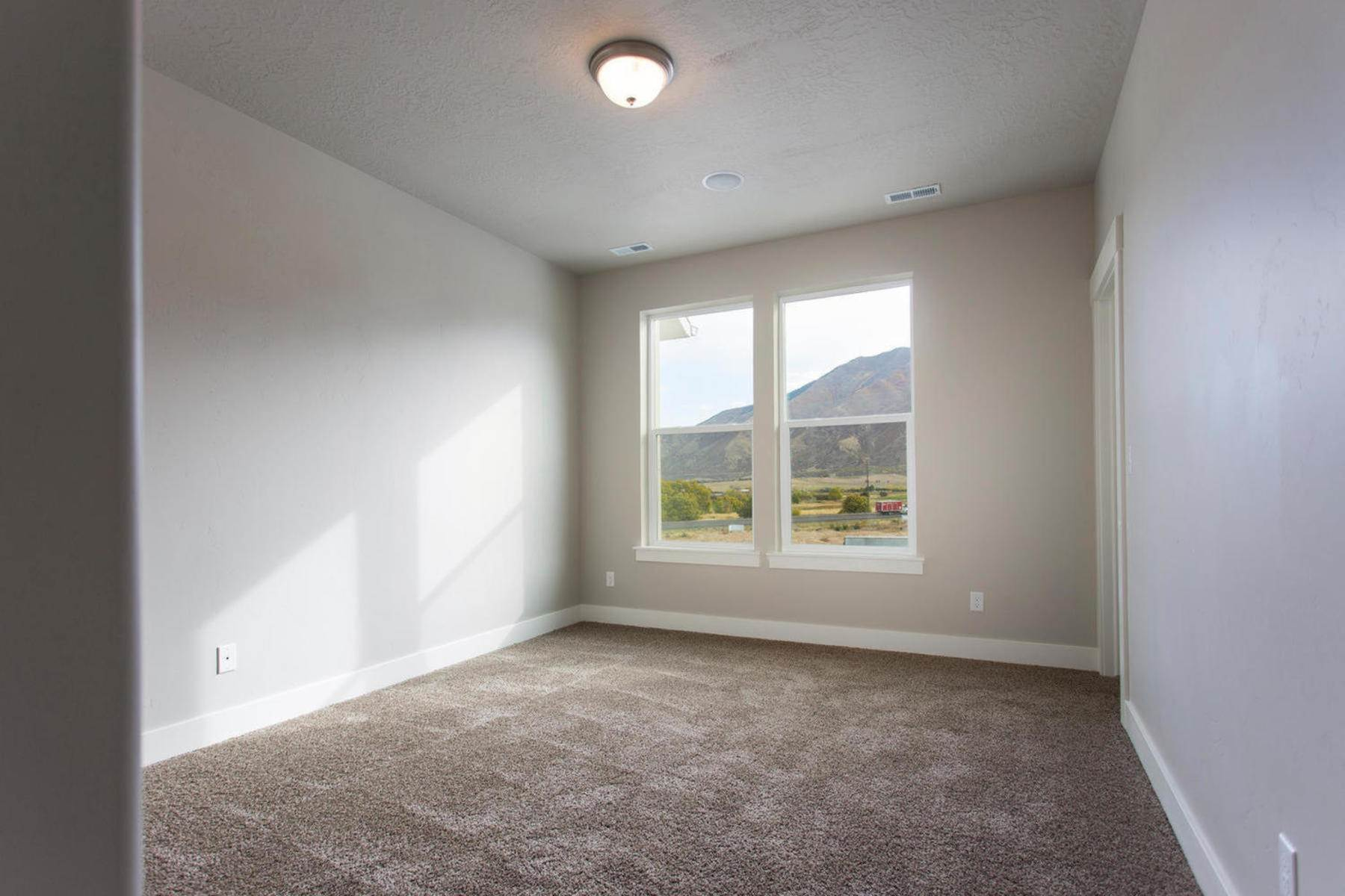 15. townhouses for Sale at The Midtown Unit 36 at the Ridge at Spanish Fork 898 South 2560 East, #36 Spanish Fork, Utah 84660 United States