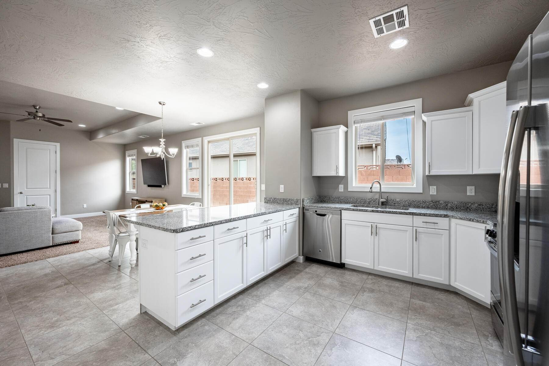12. Single Family Homes for Sale at Just Right In So Many Ways 785 West 400 North Hurricane, Utah 84737 United States