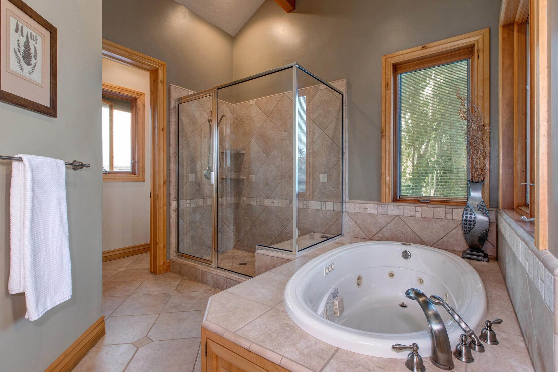 19. Single Family Homes for Sale at Your Private Oasis in the Heart of Park City 2692 Ruminant Road Park City, Utah 84060 United States