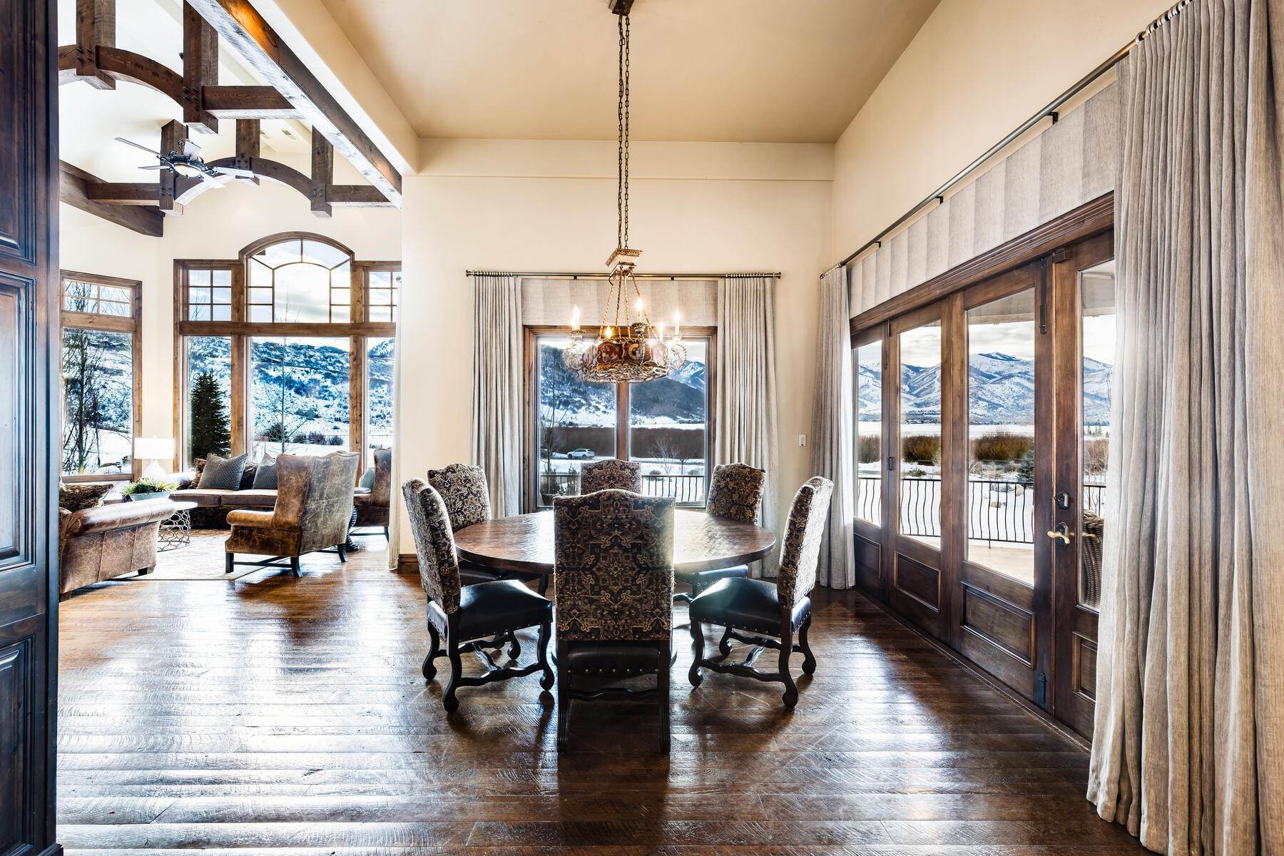 7. Single Family Homes for Sale at Rare Ranch Creek Estates Home Boasts over 3 Acres with Unparalleled Views 4400 N Ranch Creek Ln Park City, Utah 84098 United States