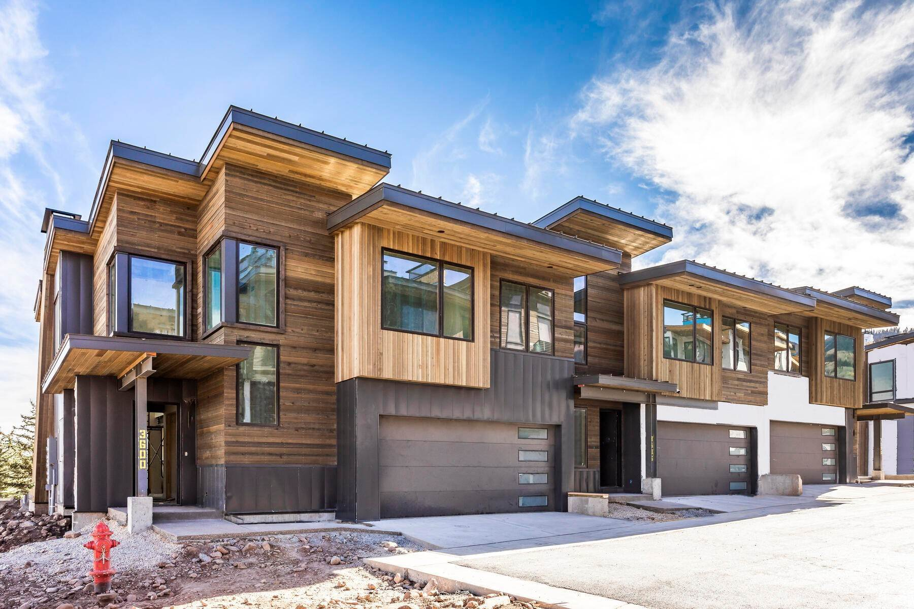 17. townhouses for Sale at Ski-In Townhomes in Canyons Village 3532 Ridgeline Drive Park City, Utah 84098 United States