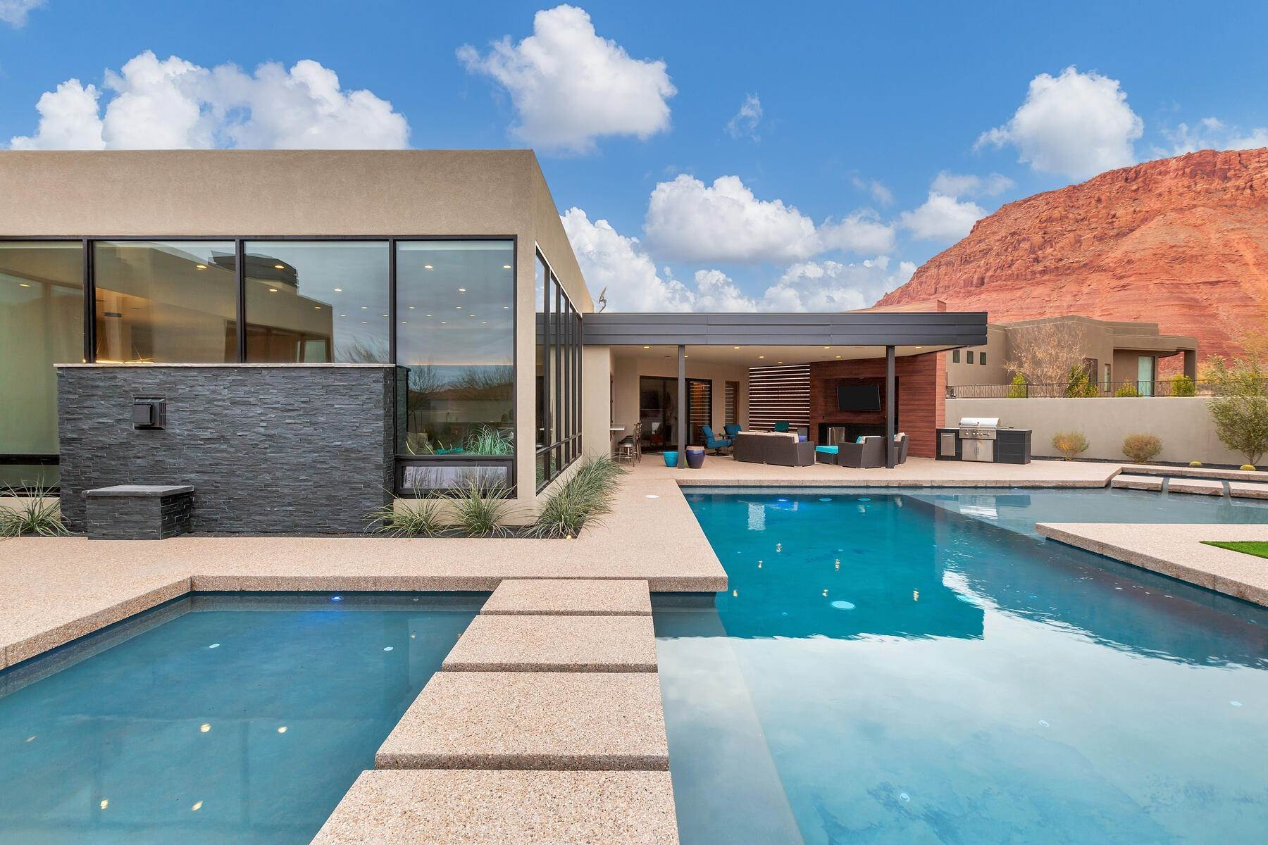 40. Single Family Homes for Sale at Modern Luxury Living In Snow Canyon 362 N Turtle Point Dr Ivins, Utah 84738 United States