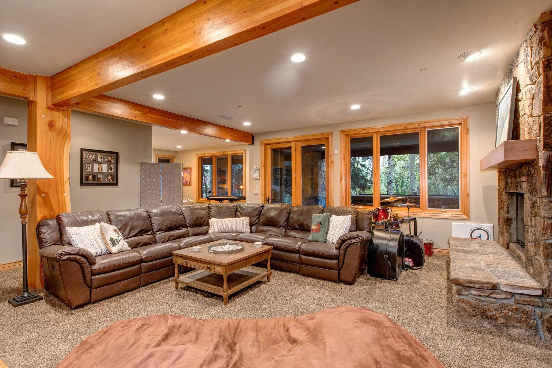 21. Single Family Homes for Sale at Your Private Oasis in the Heart of Park City 2692 Ruminant Road Park City, Utah 84060 United States